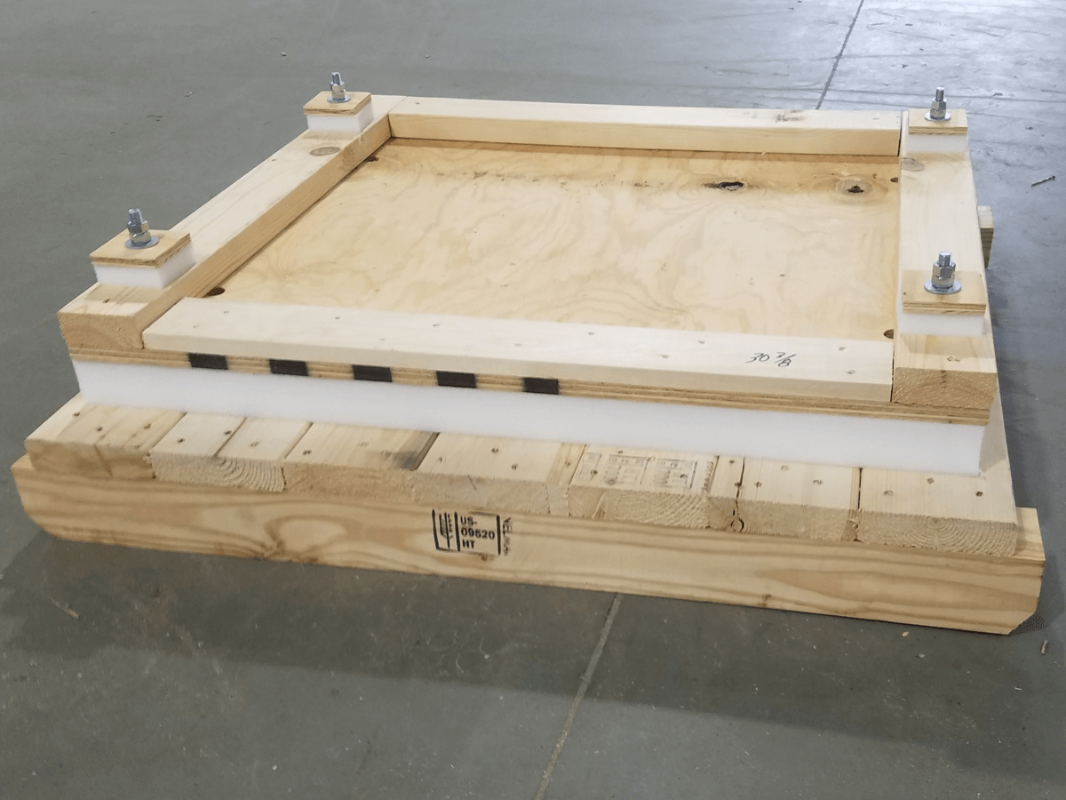 Floating-deck-shipping-skid