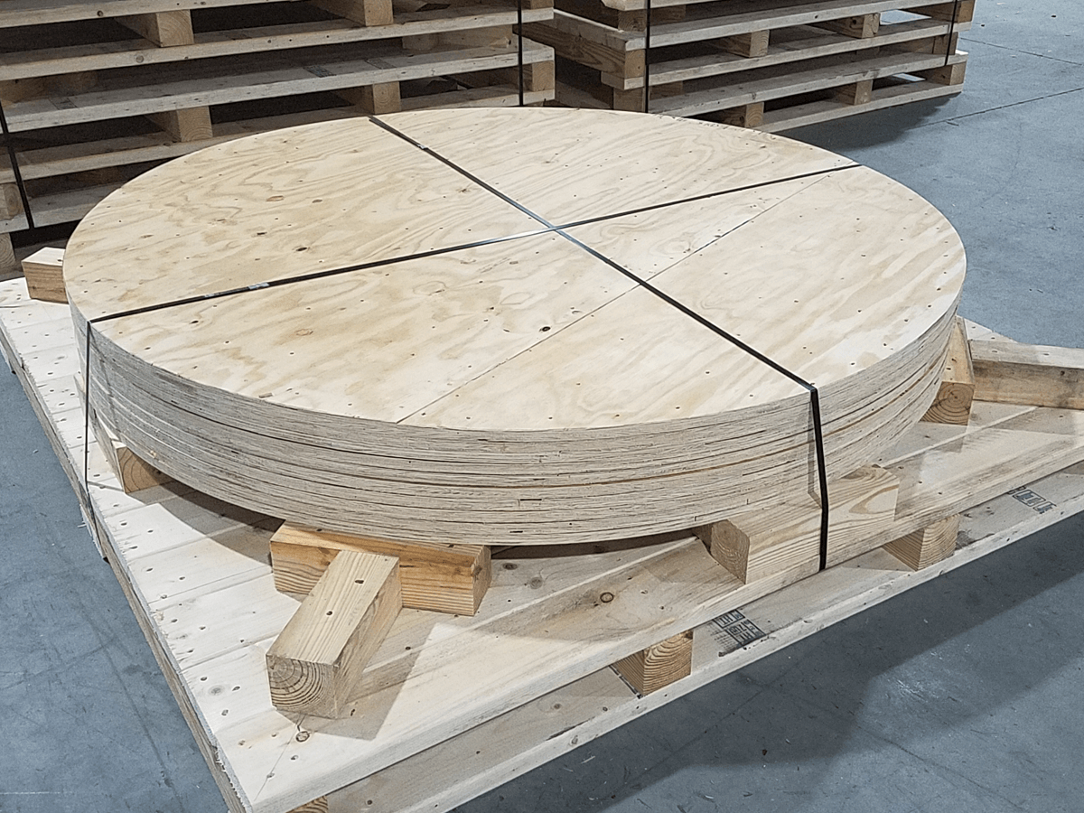 Heavy-duty-shipping-skids-with-wood-disks